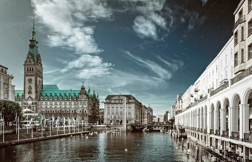 Deutsch-russische Hochzeit in Hamburg einen Tamada hier buchen!