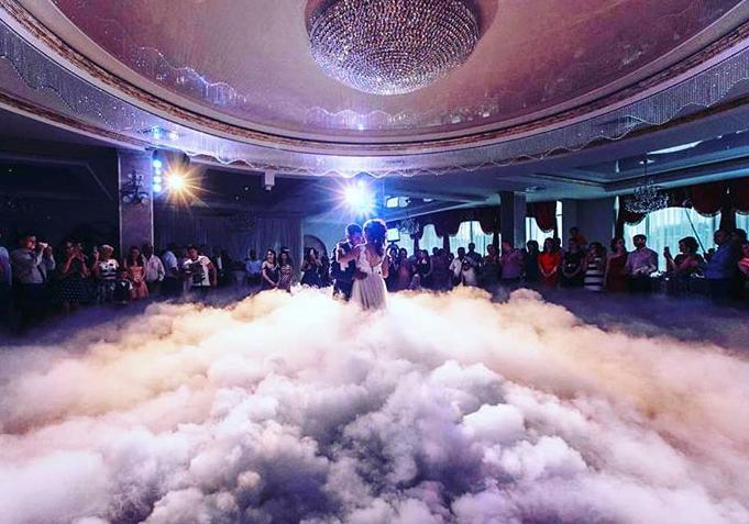 Zusätzliche technische Showelemente für eine Großartige russische Hochzeit