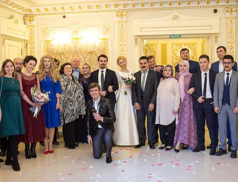 Moderator für eine türkisch-russische Hochzeit