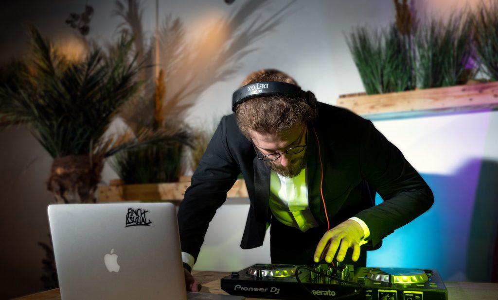 DJ MaX für Ihre russische Hochzeit in Schleswig Holstein (Kiel, Lübeck, Hamburg, Bremen)