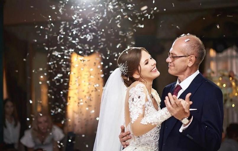Vater-Tochter-Tanz bei einer Hochzeit