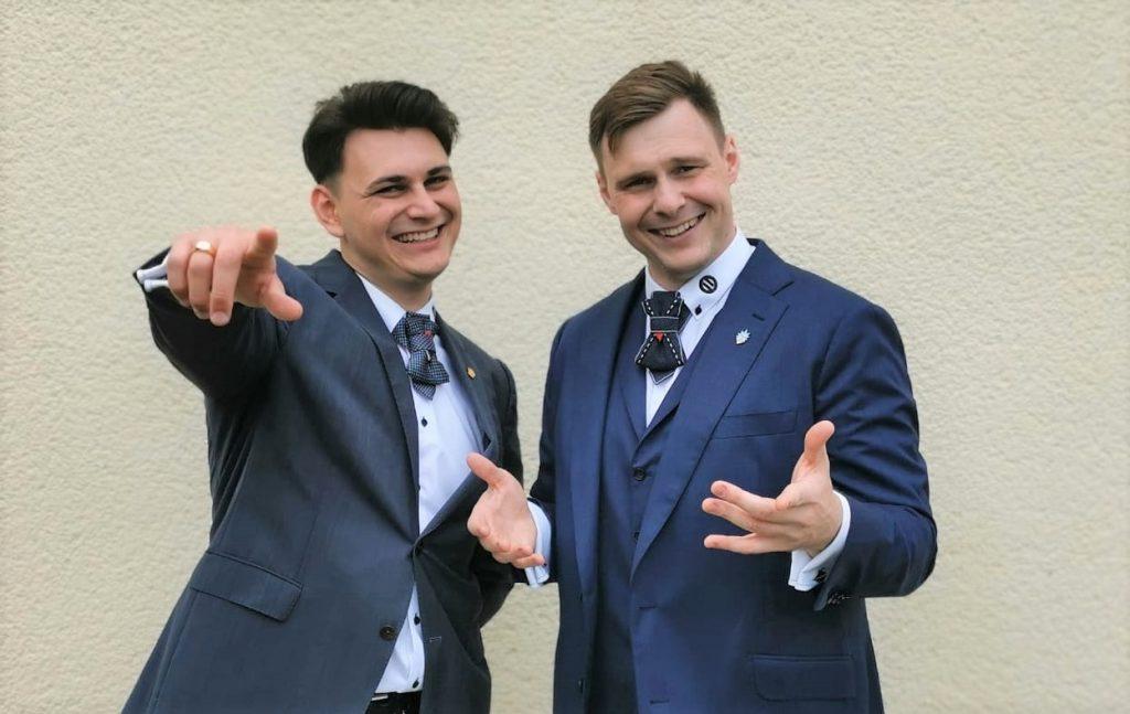 Moderator für eine Hochzeit und einen DJ