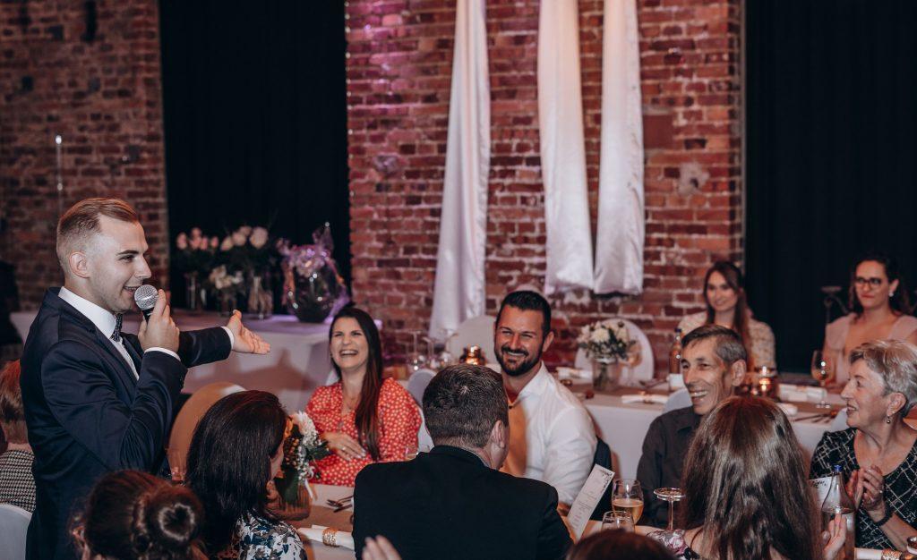 Hochzeitsmoderator Artem für Ihre großartigen russische sowie deutsch-russische Hochzeit