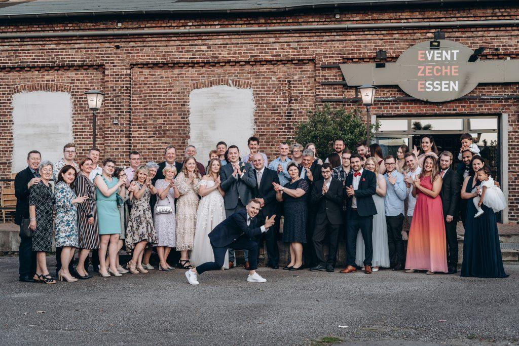 Tamada Artem als Hochzeitsmoderator für eine russische Hochzeit